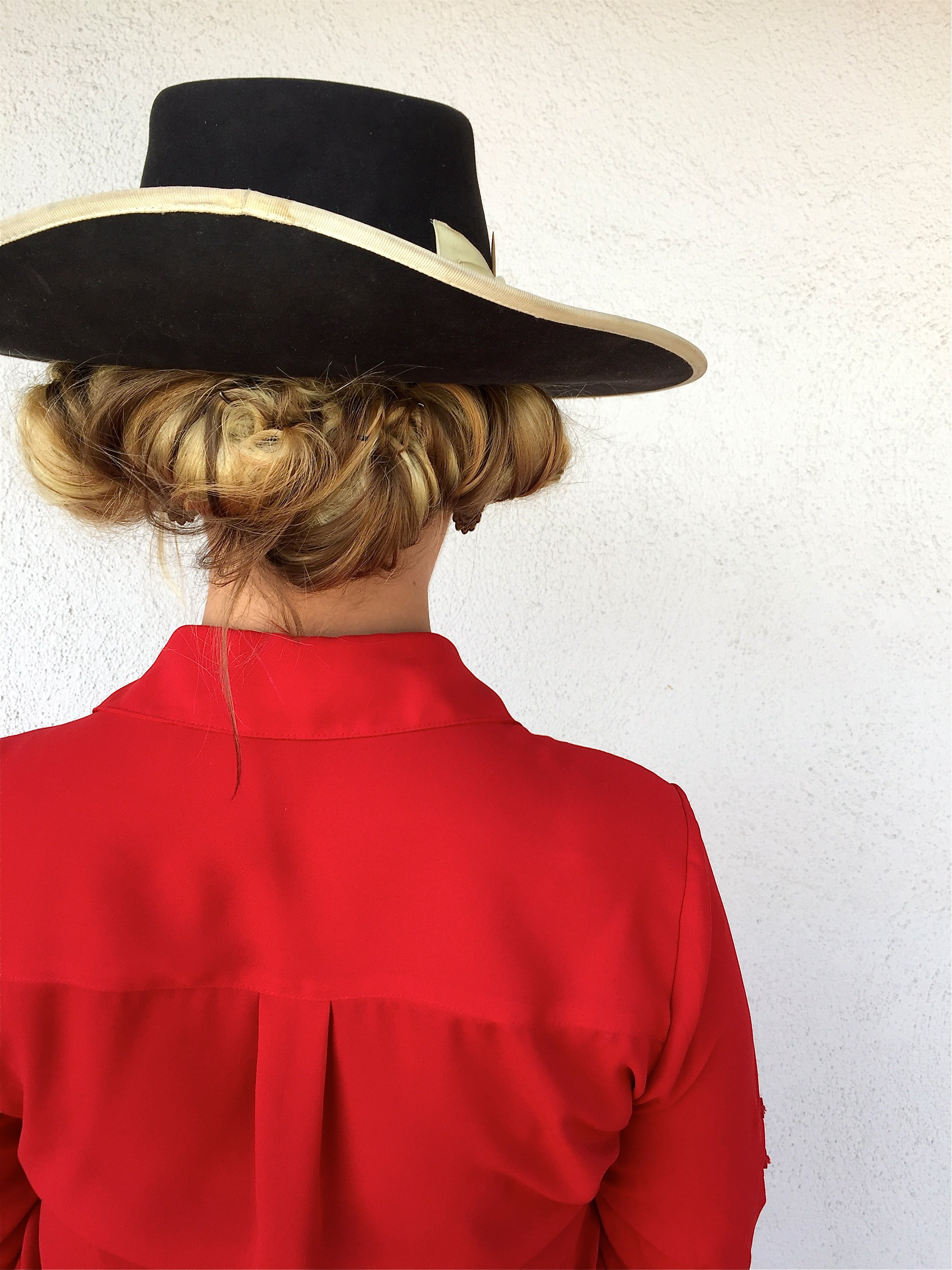Easy Hat Hairstyles For Cowgirls Adrian Buckaroogirl
